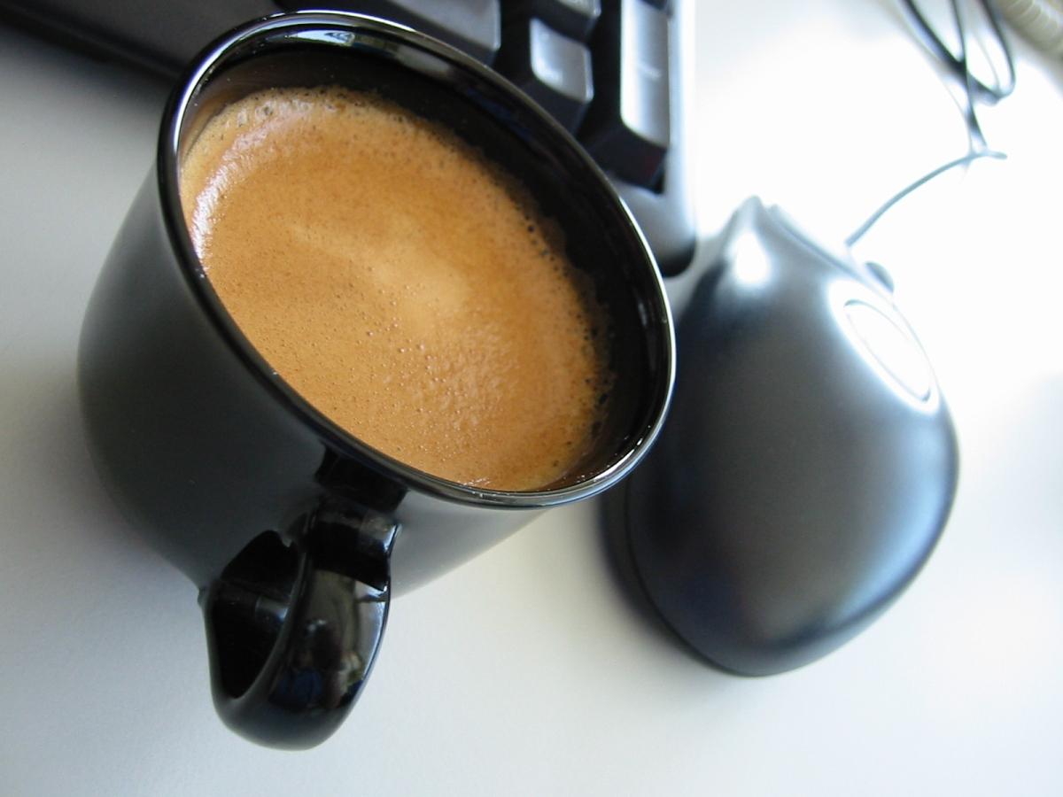 кофе мышь компьютерная чашка черная  № 2175198  скачать